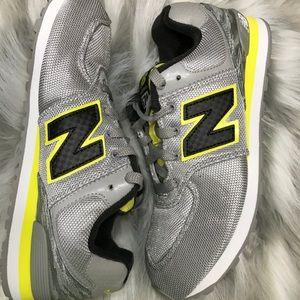 ⚡️New balance 574 boys shoes size:6 😊